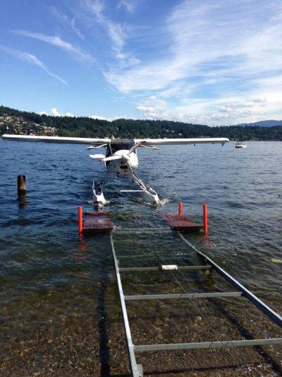 seaplane-docking